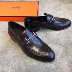 Giày lười Hermes siêu cấp da trơn họa tiết khóa ngang màu đen GLHM11