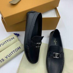 Giày Lười Louis Vuitton Like Auth màu đen da taiga GLLV53