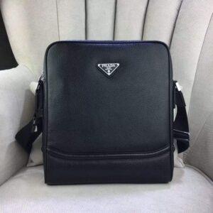 Túi xách đeo chéo Prada siêu cấp nam họa tiết logo tam giác khóa sau TNPR01