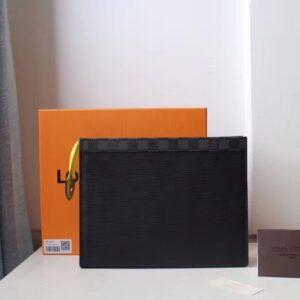 Ví nam Louis Vuitton siêu cấp màu đen da xước bản to VNLV30
