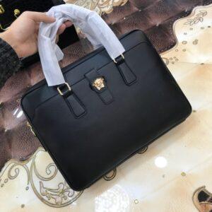 Túi xách nam Versace siêu cấp da trơn logo vàng TNV05