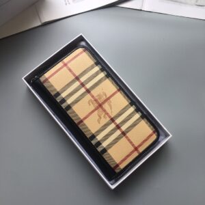 Ví Burberry siêu cấp nam họa tiết caro vàng VNBB06
