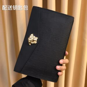 Ví Versace siêu cấp nam cầm tay họa tiết vân phối logo vàng VNV12