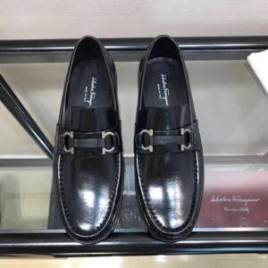 Giày lười Salvatore Ferragamo siêu cấp họa tiết logo màu đen GNSF03