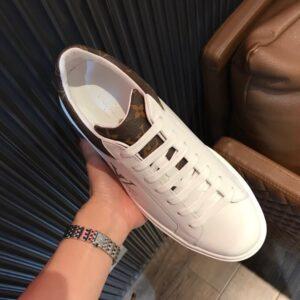 Giày Louis Vuitton sneaker họa tiết in chữ màu trắng GNLV14
