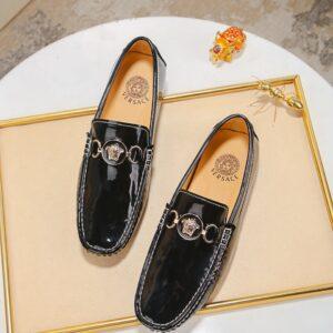 Giày lười Versace siêu cấp họa tiết da bóng màu đen GLV05
