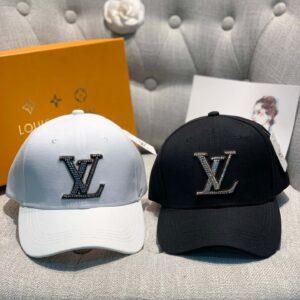 Mũ nam Louis Vuitton siêu cấp họa tiết logo đính đá MNLV03