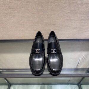 Giày lười Louis Vuitton Like Auth đế cao da đen bóng GLLV74