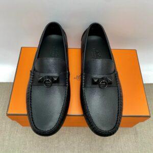 Giày lười Hermes like auth họa tiết móc tròn full đen GLH23