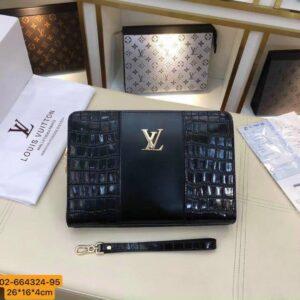 Ví nam Louis Vuitton siêu cấp cầm tay da vân cá sấu mã khoá số VNLV45