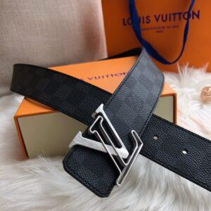 Thắt lưng nam Louis Vuitton like au hoạ tiết mặt khoá logo khuyết TLLV42