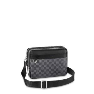 Túi đeo chéo nam Louis Vuitton màu đen dáng hộp TNLV11